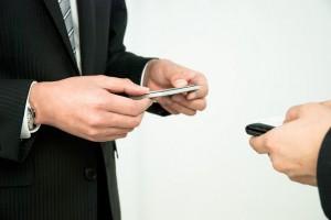 3つの視点!売込みせずに顧客を惹きつける肩書きの決め方